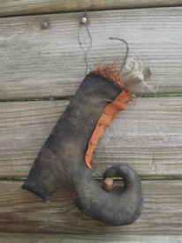 Witch Boot with Mouse